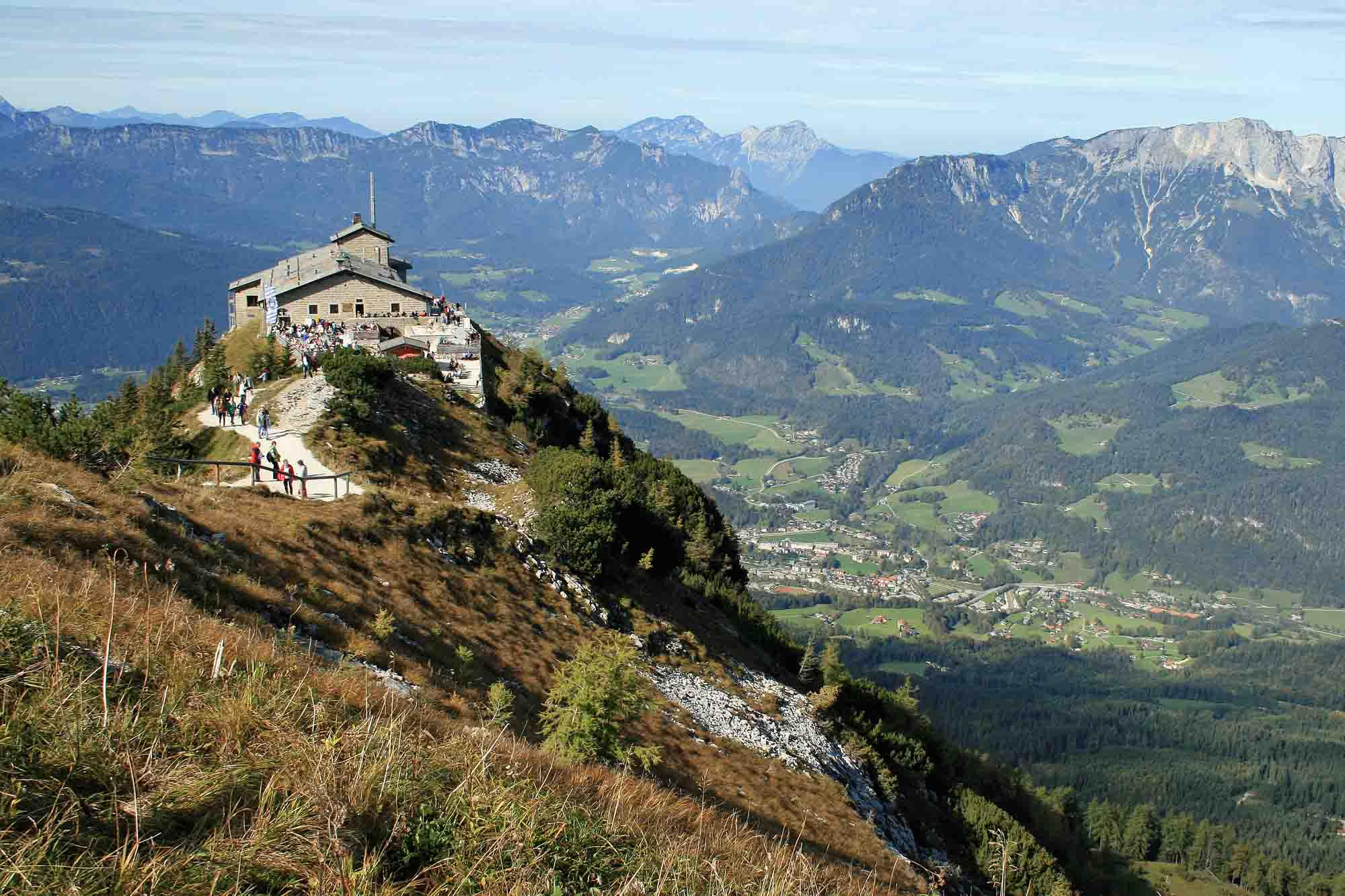 berchtesgaden and the eagle 39 s nest off the beaten track. Black Bedroom Furniture Sets. Home Design Ideas