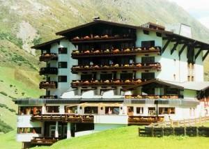 Gotthard-Zeit Hotel