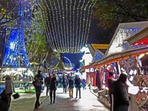 Paris: Christmas Market in the Champs-Élysées
