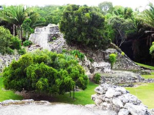 Kohunlich ruins almost immersed by dense jungle