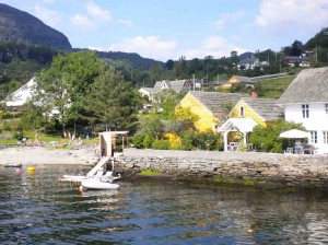 Hardanger - 'That little yellow house'
