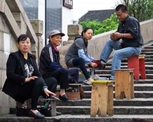 Zhujiajiao Fangsheng Bridge shoe cleaning