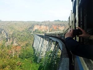 Train journey to Gokteik viaduct